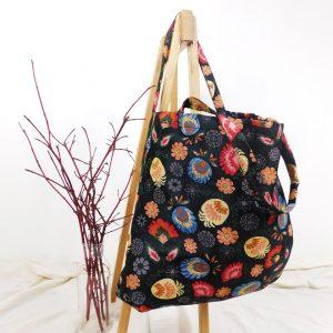 torba-gobelinowa-kwiaty-duża-czarna